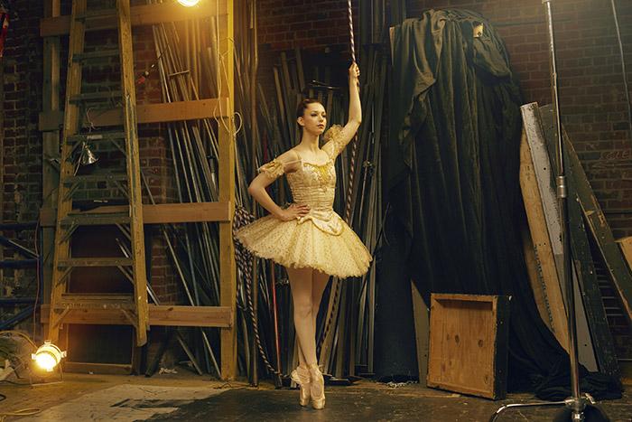 Color Cast: Felix Kunze Ballerina 2 Alien Skin2